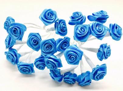 Bouquet de mini-rose satin par 24 pièces coloris bleu turquoise.